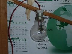 7-2 Ingénieux électriciens.JPG